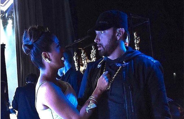 Salma Hayek arroja agua a Eminem en los Oscars 2020