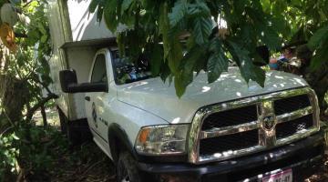 Recupera FGE camioneta robada con más de 3 mil litros de hidrocarburo en Huimanguillo