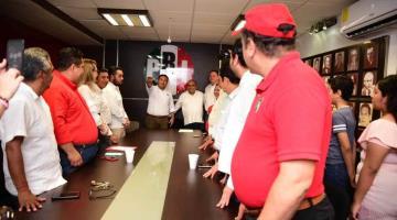 Toma protesta dirigente estatal de Corriente crítica del PRI; asegura que la 4T le ha fallado a Tabasco