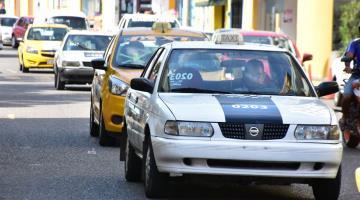 Capacitan a 4 mil taxistas de Centro para que ofrezcan servicio de excelencia
