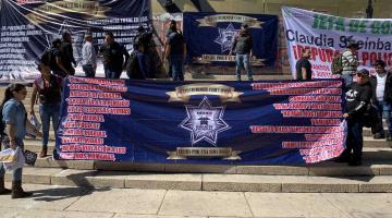Protestan ex policías federales en la CDMX; exigen el pago de sus indemnizaciones
