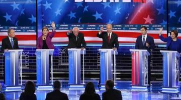 Se descalifican demócratas en debate rumbo a la candidatura presidencial