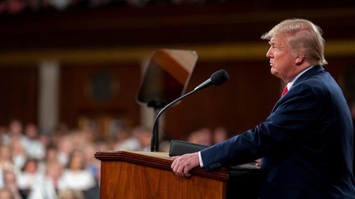 Integra Trump grupo de trabajo para luchar contra el coronavirus