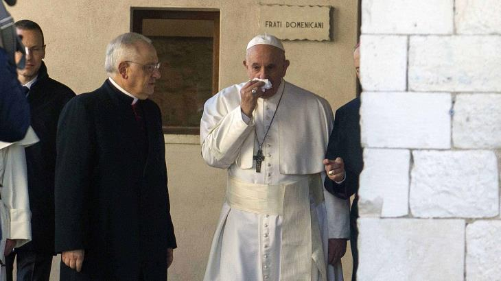 Cancela el Papa Francisco su participación en un retiro espiritual por resfriado que padece