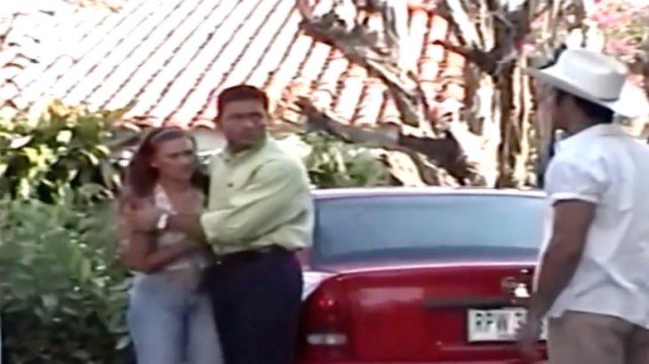 Colunga llega a los 54 y así fue cuando grabó Abrazame muy fuerte en Villahermosa