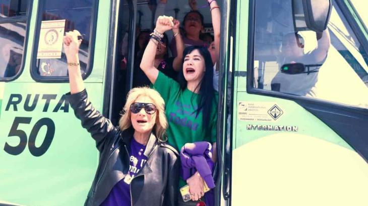 Famosas participaron en la marcha y exigen alto a feminicidios