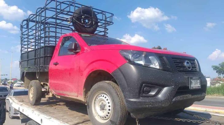 Detienen en Huimanguillo a sujeto que conducía camioneta con reporte de robo