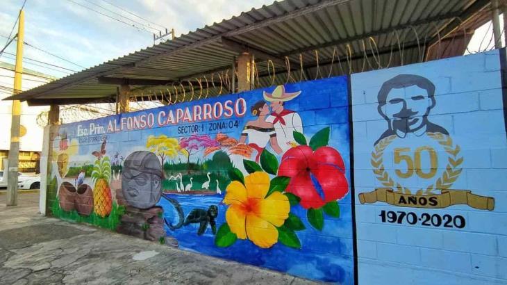 Escuela Alfonso Caparroso de Villahermosa cumple medio siglo de actividades y estrena mural