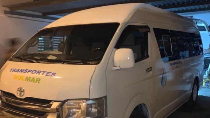Roban dos combis de transporte en Villahermosa