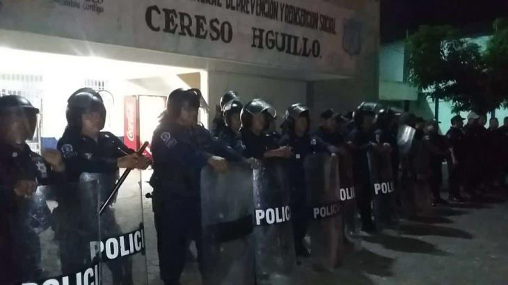 Decomisan marihuana y armas punzocortantes en CERESO de Huimanguillo