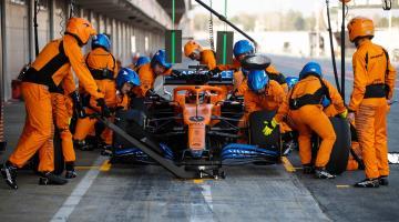 Se recuperan 16 miembros de McLaren tras aislamiento por coronavirus
