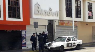 Abren boquete en tienda de celulares del centro de Villahermosa y se introducen a robar