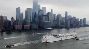 Arriba buque hospital a NY para enfrentar pandemia