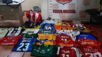 Roban casi mil jerseys de colección a Edgar Benítez