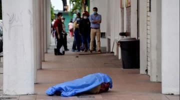 Ciudadanos de Guayaquil Ecuador dejan cadáveres en las calles por miedo al Covid-19