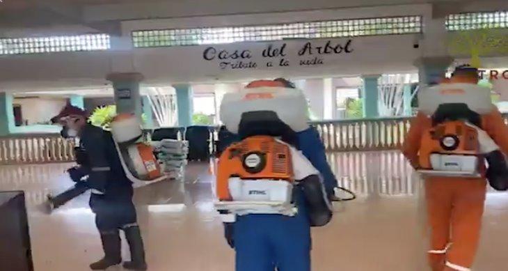 Realiza ayuntamiento de Centro sanitización de ´La Casa del Árbol´
