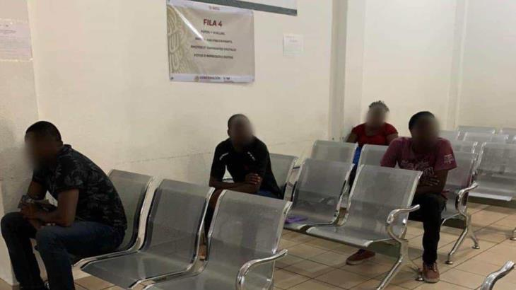 Ordenan a Migración liberar a indocumentados detenidos ante contingencia