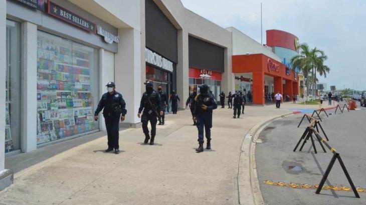 """Mantienen policías exhortos a ciudadanos a cumplir el """"Quédate en casa"""""""