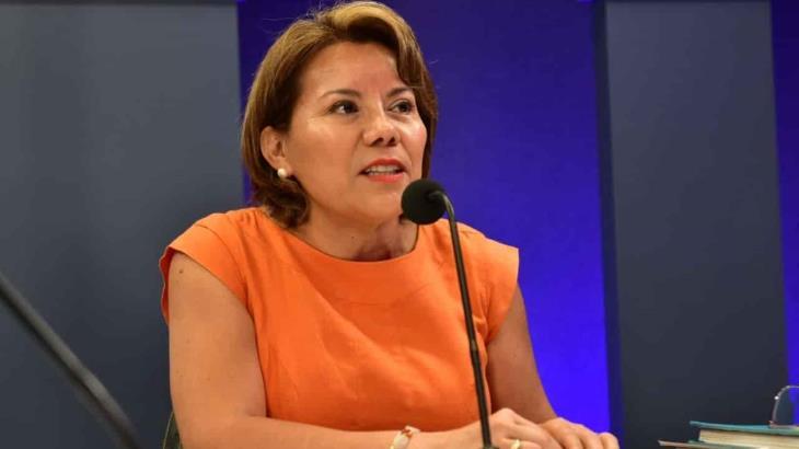 Gobernadores que clausuraron el ciclo escolar, son ignorantes de la Constitución, plantea Egla Cornelio