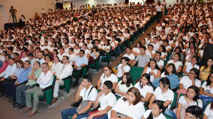 Denuncian alumnos de posgrado que UJAT canceló becas CONACYT