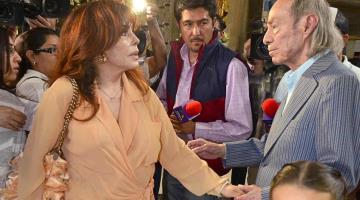 Así despide Verónica Castro a El Loco Valdés, padre de su hijo