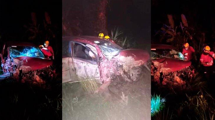 Automovilista muere tras chocar su auto contra un tráiler en la Vhsa–Escárcega