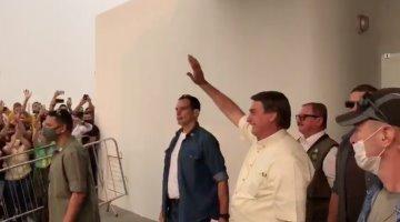 """""""Eso es para los débiles"""" asegura Bolsonaro sobre las personas que se quedan en casa para evitar el Covid-19"""