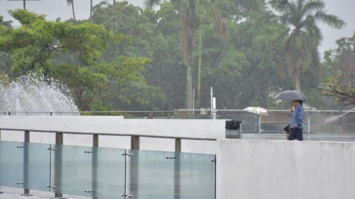 """Ocasionará tormenta tropical """"Beta"""" lluvias de hasta 150 mm en Tabasco, advierte Protección Civil"""