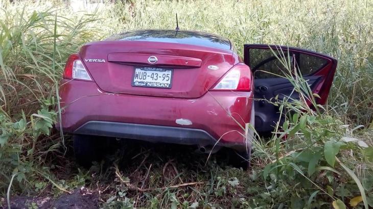 Ejecutan a un hombre y lo abandonan dentro de su auto en Huimanguillo