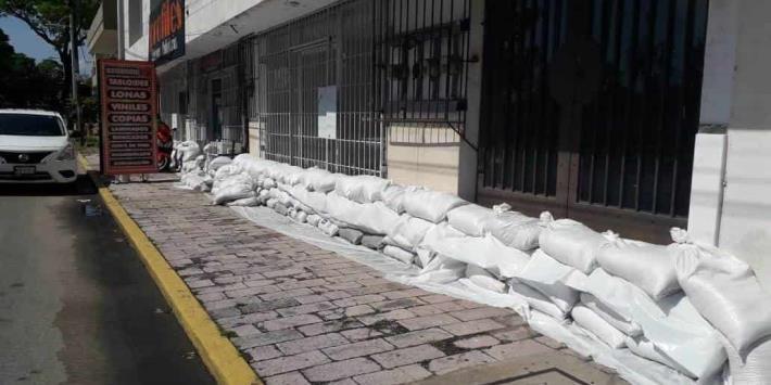 Comerciantes piden se reabra el malecón de Villahermosa ante la pérdida de ventas que registran
