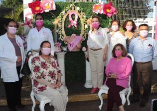 Conmemoran día internacional contra el cáncer de mama en Cunduacán