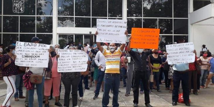 Afectados por inundaciones se manifiestan en Bienestar Tabasco