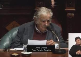 Los expresidentes José Mujica y Julio María Sanguinetti renuncian al Senado