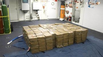 Detiene SEMAR a 7 por transportar más una tonelada de cocaína en costas de Colima