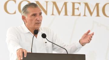 Anuncia Adán Augusto construcción de hospital en Cárdenas; dos más serán sustituidos