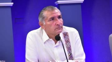 """Informa Adán Augusto cierre parcial de la compuerta """"El Macayo"""", ante desfogue de 2,100 m³/s en """"Peñitas"""""""