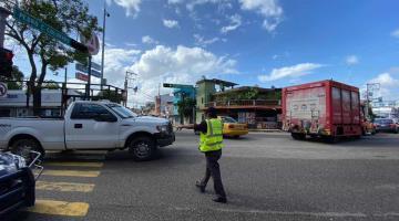 Reporta PEC 18 vialidades cerradas por socavones y calles anegadas