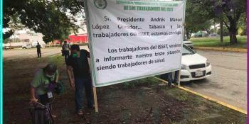 Protesta SIDTISSET de manera pacífica en el Parque Tabasco; buscarán dialogar con AMLO