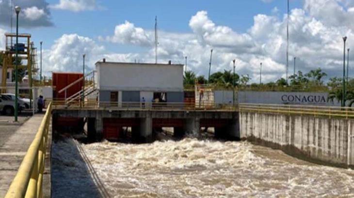 Compuerta Macayo, de la presa Peñitas, se hizo para inundar la Chontalpa: experto
