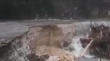 Cierran paso en la carretera Limar-Salto de Agua en Chiapas, ante deslaves
