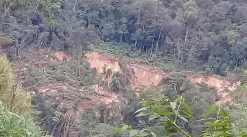 Desgajamiento de cerro pone en riesgo a familias de Chilón Chiapas; piden desalojar viviendas