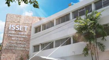 Acusa viuda de camillero del ISSET que en el instituto le solicitan pagar 70 mil pesos para que le liberen la pensión y seguro de vida