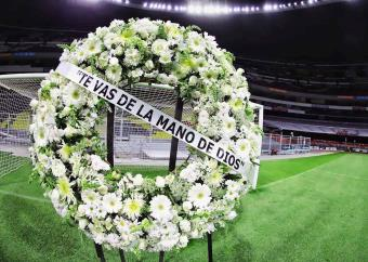 Estadio Azteca homenajea a Diego Maradona