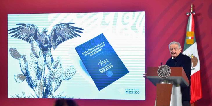 """Presenta AMLO la """"Guía Ética para la transformación de México"""""""