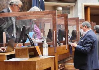 Senado de Chile aprueba proyecto de retiro de pensiones para ayudar a ciudadanos por crisis social y económica