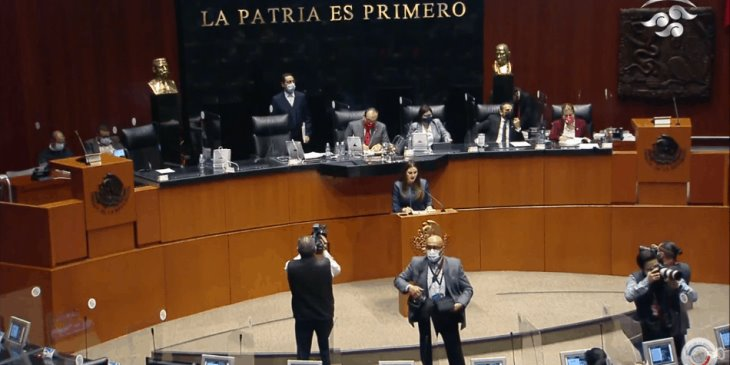 Senadores aprueban en lo general la eliminación del fuero presidencial