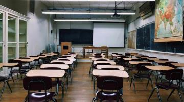Cierran más de mil 800 escuelas públicas en Nueva York, tras aumento de contagios de coronavirus