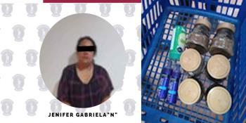 Detienen a mujer que presuntamente intentó sustraer productos de una tienda comercial en Villahermosa