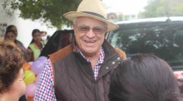Registra Padre Rubén frecuencia cardiaca de 105; se mantiene en estado crítico