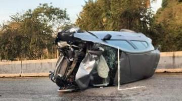 Muere persona al volcar vehículo tras impactarse contra una motocicleta en la Villahermosa-Frontera